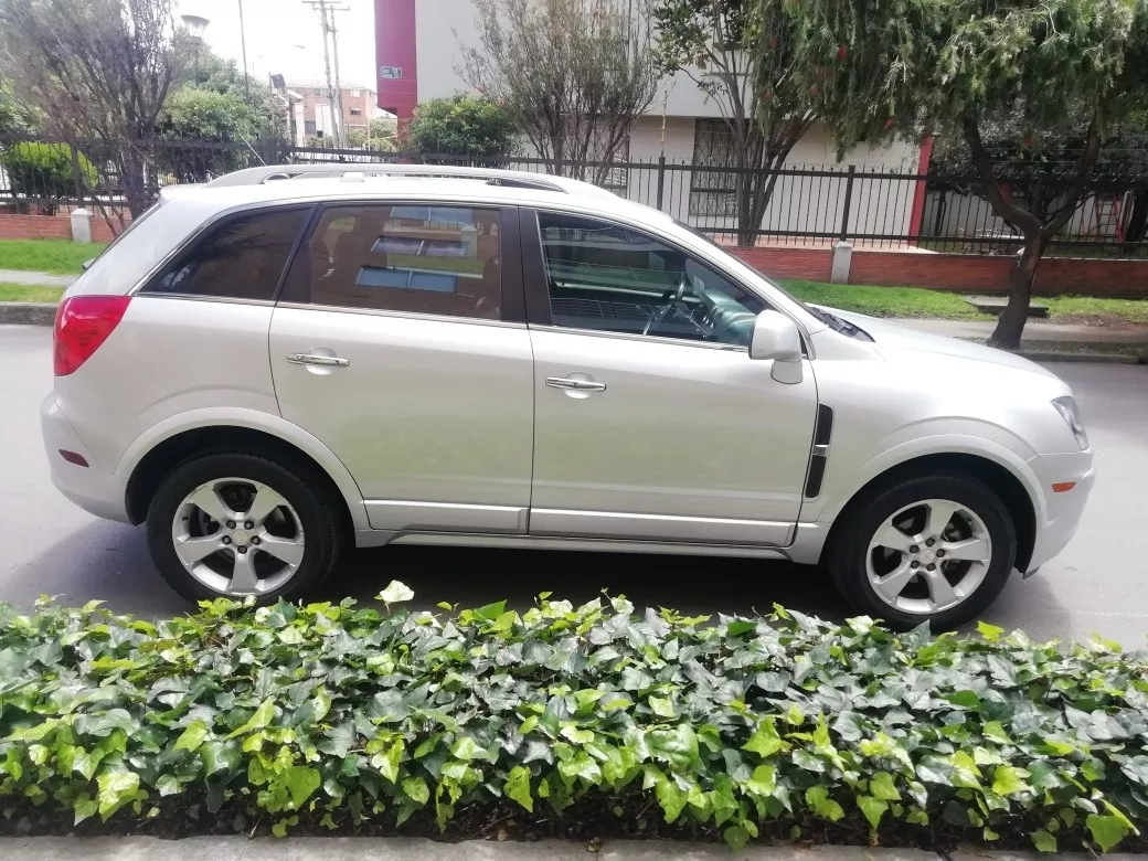 Screenshot_2019-11-18 Chevrolet Captiva Captiva Platinum 3 0 - $ 39 500 000(2)