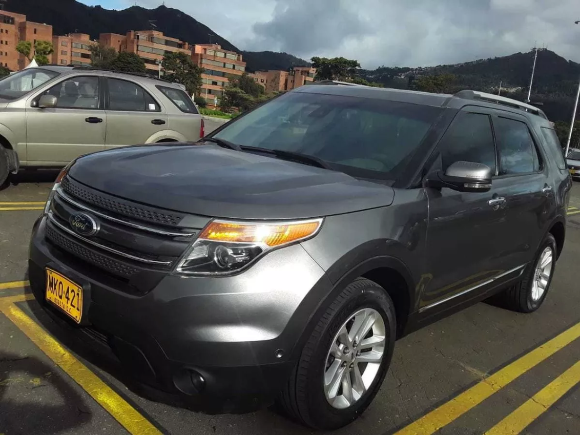 Screenshot_2019-12-09 Ford Explorer Limited 4x4 7 Puestos - $ 60 000 000